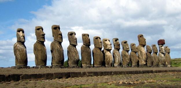 Easter_Island_Figures,_c._1000-1500